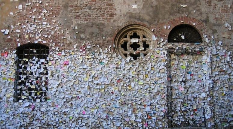 Juliet S Balcony At Casi De Giulietta Is Juliet S Balcony Real