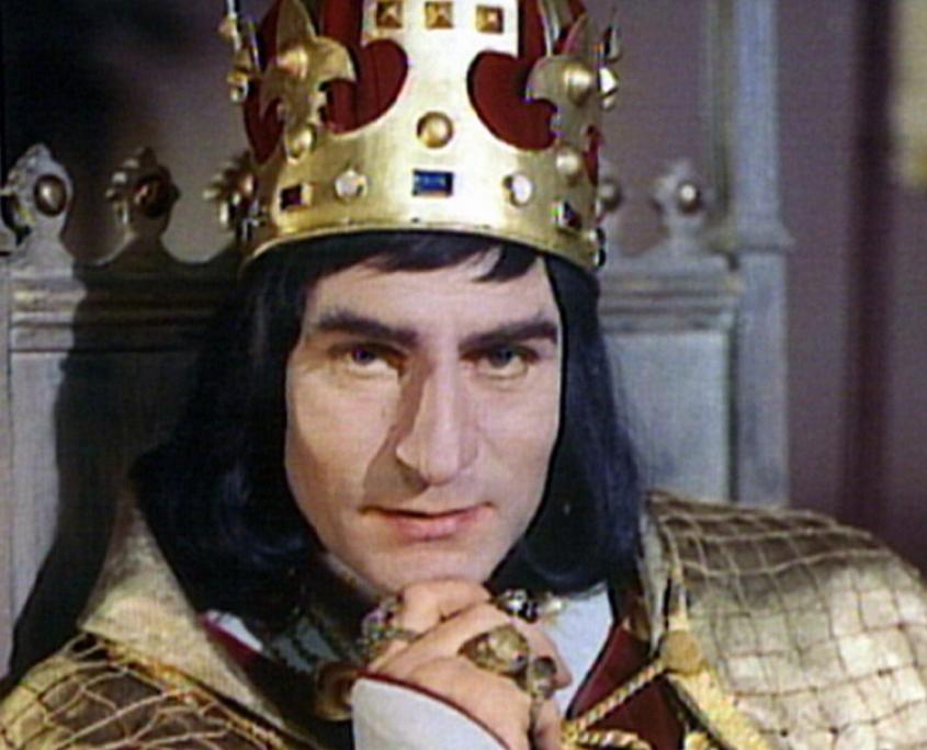 Lawrence Olivier on-screen as Richard III