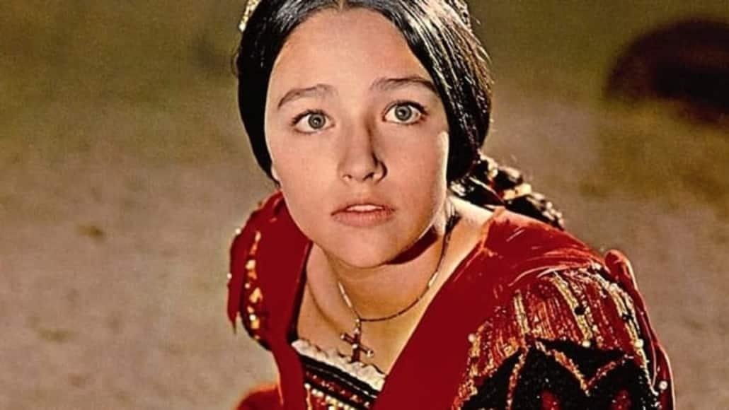 olivia hussey as juliet capulet on stage