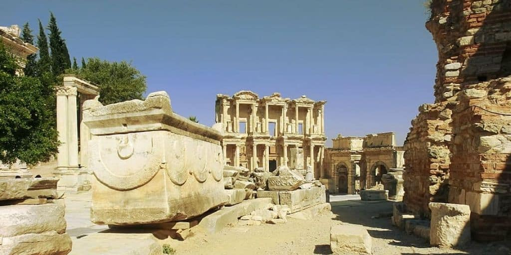 ephesus-turkey-ruins